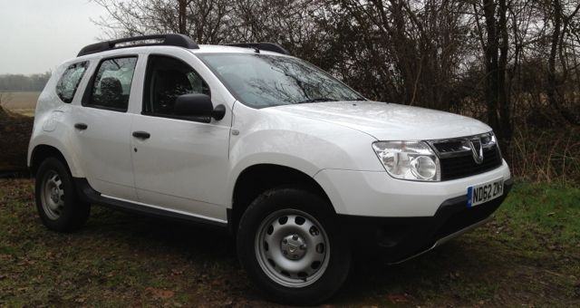 Dacia Duster Access 1.6 16v 105 4X4 front