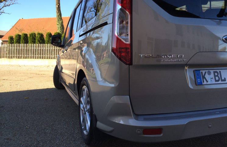 2014 Ford Grand Tourneo Connect rear