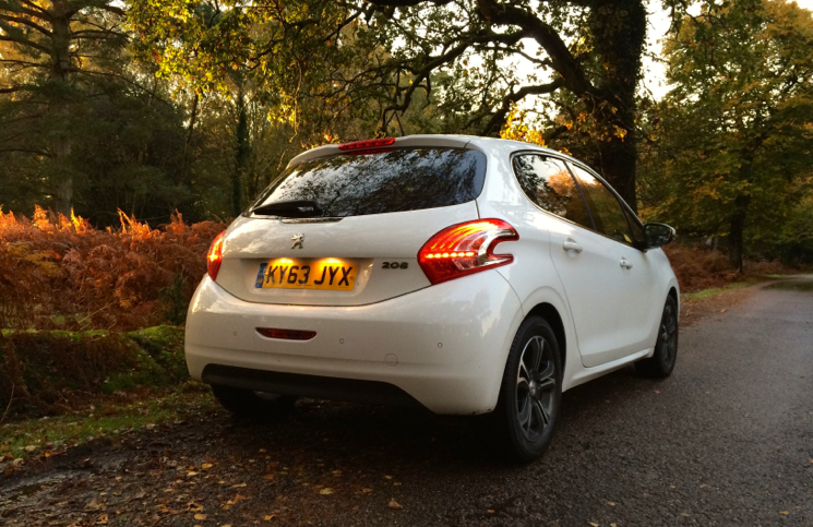 Peugeot 208 Allure VTi 82 rear