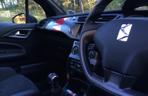 Citroen DS3 Racing Cabrio inside
