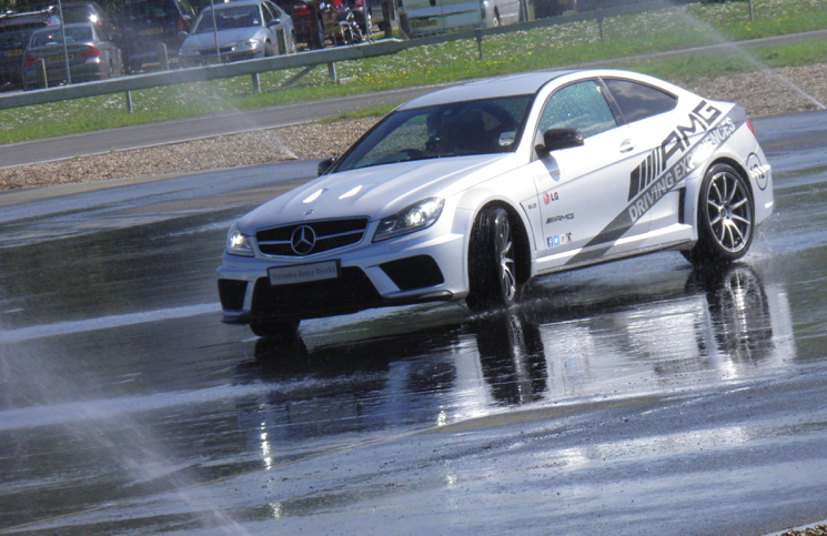 Mercedes-Benz C63 AMG Coupe Black Series drift