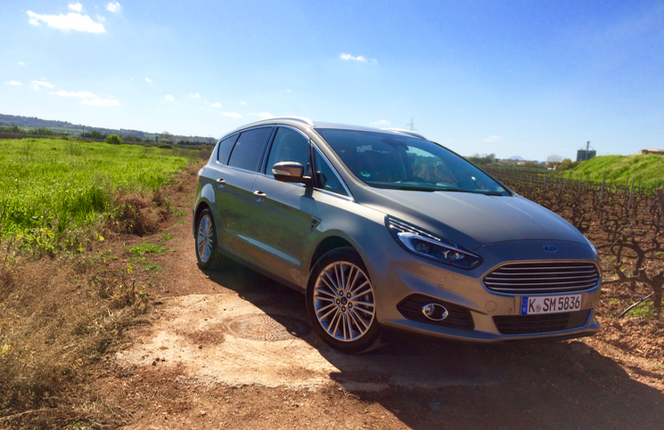 2015 Ford S-MAX EcoBoost front
