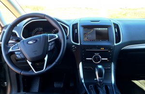 2015 Ford S-MAX EcoBoost inside