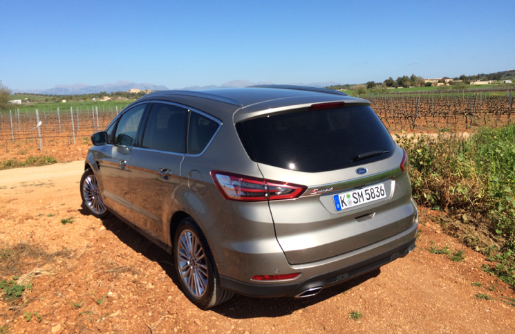 2015 Ford S-MAX rear