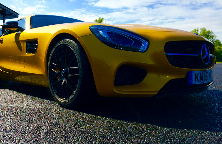 2015 Mercedes-AMG GT S front