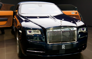 2015 Rolls-Royce Dawn nose