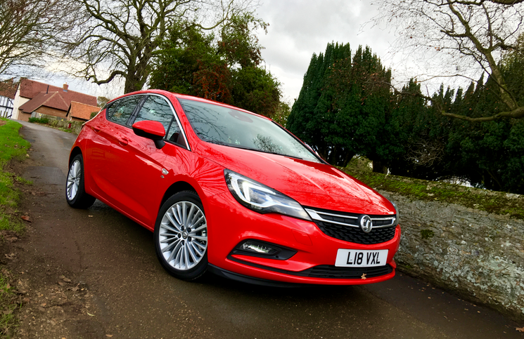 2015 Vauxhall Astra CDTI front