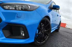 2016 Ford Focus RS light