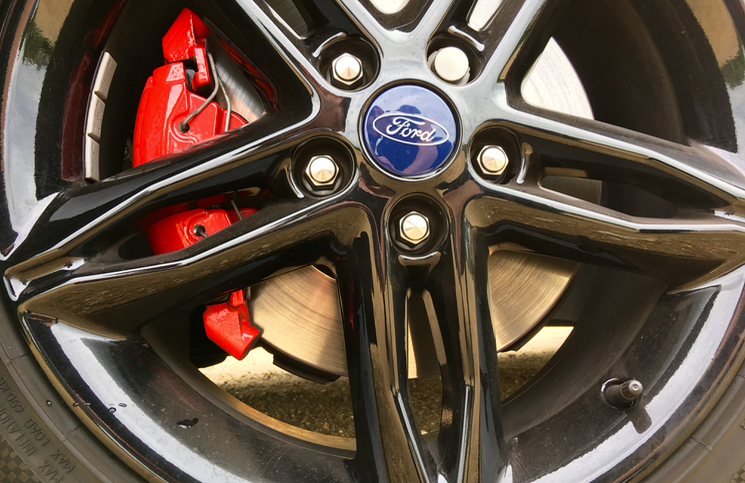 2016 Ford Focus Black Edition wheel