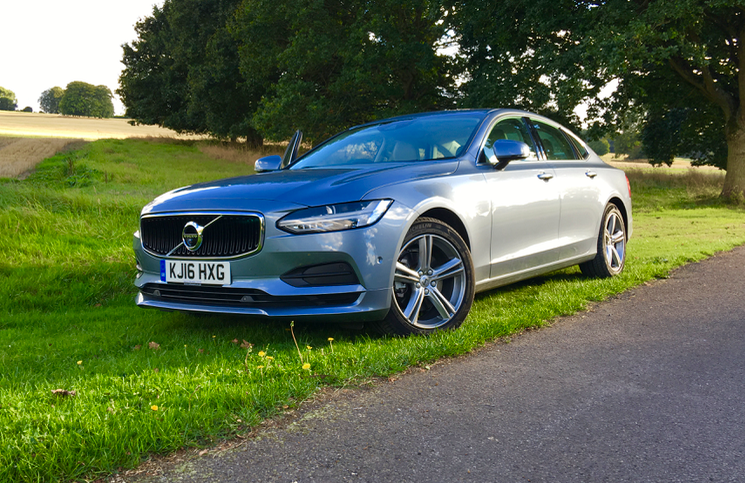 2017 Volvo S90 front