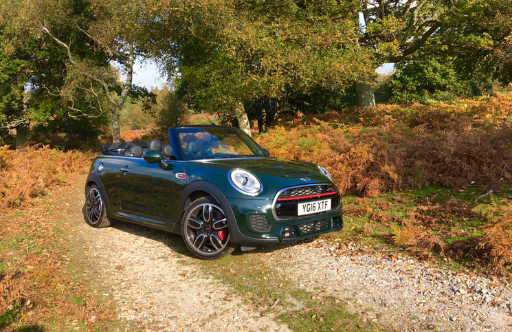 2017-mini-convertible-john-cooper-works-front