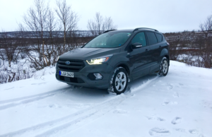 2017-ford-kuga-st-line-snow