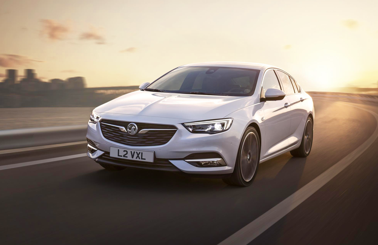 2017-vauxhall-insignia-grand-sport-front
