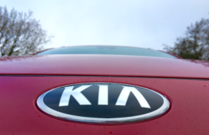 2017 Kia Niro badge