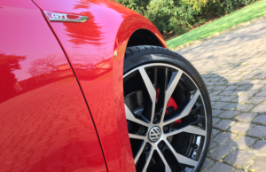 2017 Volkswagen Golf GTI wheel