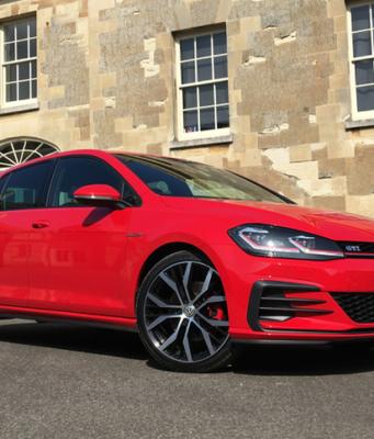 2017 Volkswagen Golf GTI front